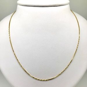 Jewelry - NWT 24 inch box chain 3.9 grams in 14 kt YG